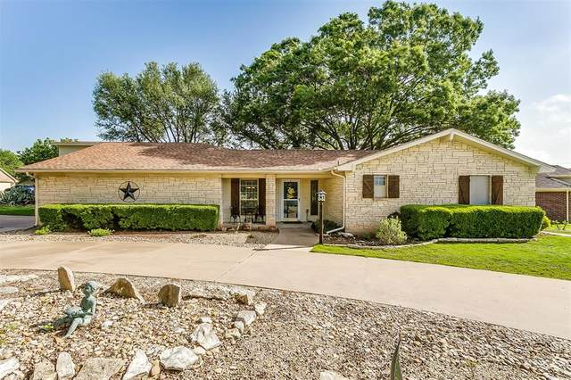 5614 Cuero Drive, Granbury, TX 76049 (#14567057) :: Homes By Lainie Real Estate Group