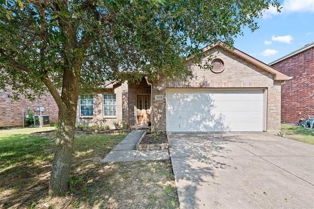 4720 Fox Sedge Lane, Denton, TX 76208 (MLS #14604262) :: The Chad Smith Team