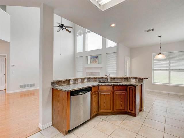 1843 Hidden Brook Drive, Grand Prairie, TX 75050 (MLS #14629128) :: Frankie Arthur Real Estate
