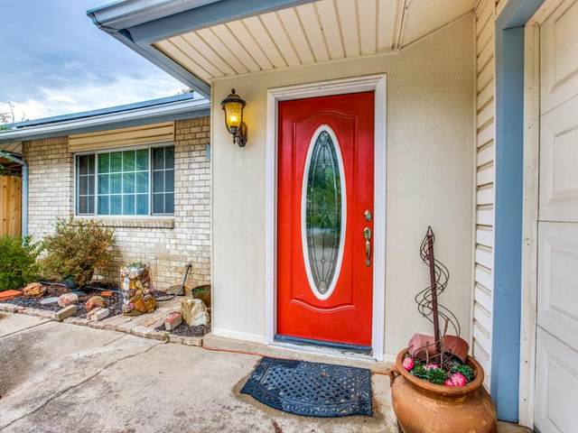 2703 Greenwood Lane, Arlington, TX 76013 (MLS #14652999) :: Craig Properties Group