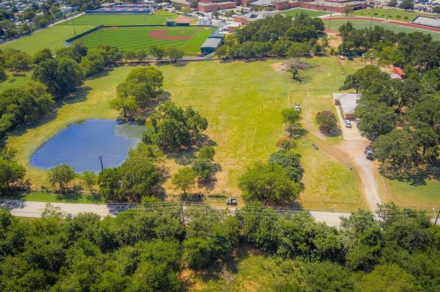 5080 Mills Road, Denton, TX 76208 (#14658761) :: Homes By Lainie Real Estate Group