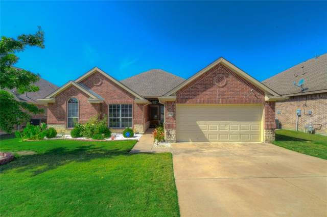1220 Hickory Bend Lane, Fort Worth, TX 76108 (MLS #14687177) :: Trinity Premier Properties