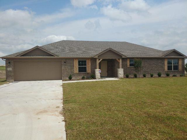 7223 Veal Station Road, Weatherford, TX 76085 (MLS #14021822) :: RE/MAX Town & Country