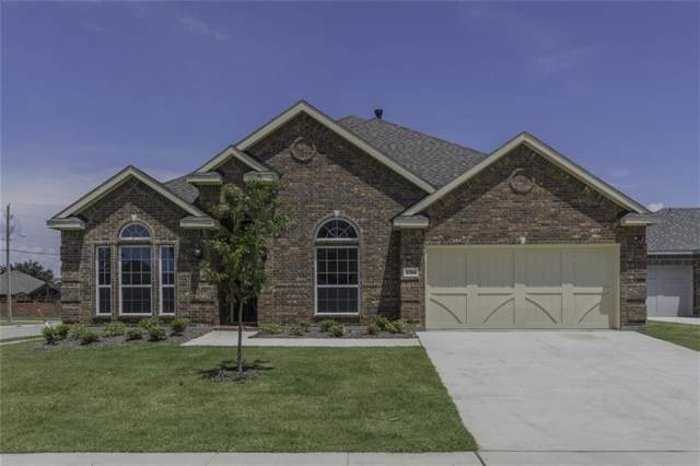 2704 Grand Colonial Street, Grand Prairie, TX 75054 (MLS #14072262) :: The Tierny Jordan Network