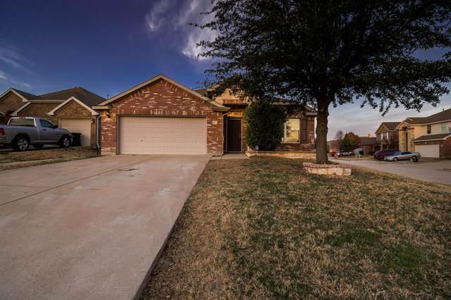3917 Yarberry Court, Fort Worth, TX 76262 (MLS #14260194) :: NewHomePrograms.com LLC