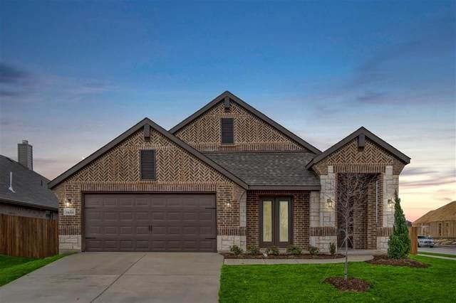 7533 Rothbury Drive, Saginaw, TX 76179 (MLS #14260699) :: The Kimberly Davis Group