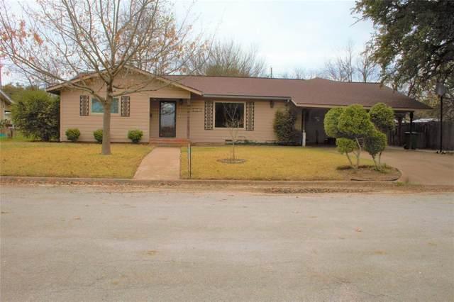 1305 W Woodlawn Street, San Saba, TX 76877 (MLS #14282285) :: All Cities USA Realty