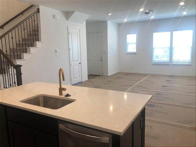 9919 Hennings Street, Irving, TX 75063 (MLS #14537860) :: VIVO Realty