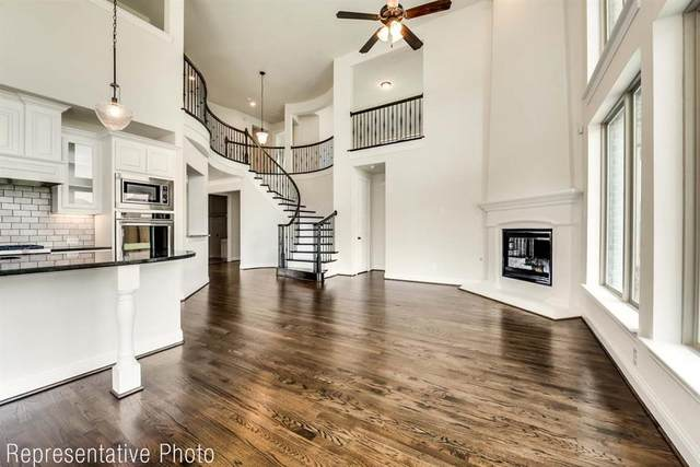 7546 Ridgedale, Grand Prairie, TX 75054 (MLS #14558116) :: Wood Real Estate Group