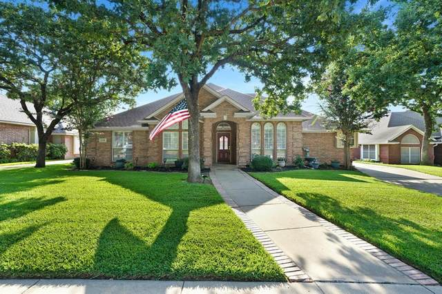 2708 Tally Ho Drive, Hurst, TX 76054 (MLS #14621993) :: Wood Real Estate Group