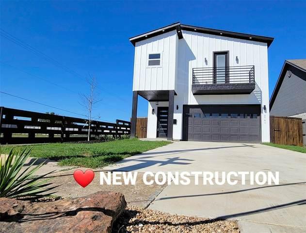 3741 Toronto Street, Dallas, TX 75212 (MLS #14644655) :: Real Estate By Design