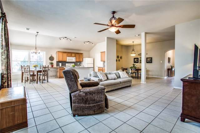 401 Braewick Drive, Fort Worth, TX 76131 (MLS #14113565) :: RE/MAX Town & Country