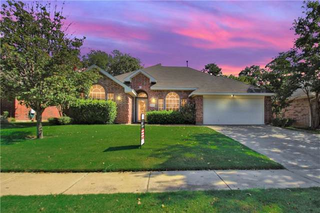 537 Oakbrook Drive, Burleson, TX 76028 (MLS #14165149) :: The Mitchell Group