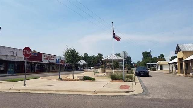 106 E Hughes Street, Collinsville, TX 76233 (MLS #14420734) :: The Tierny Jordan Network
