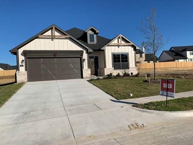 815 Blackbird Drive, Sherman, TX 75092 (MLS #14443707) :: Keller Williams Realty
