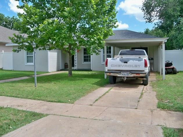 310 Hollywood, Coleman, TX 76834 (MLS #13411231) :: Team Hodnett