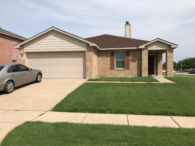 1809 Sienna Drive, Arlington, TX 76002 (MLS #13632376) :: RE/MAX Pinnacle Group REALTORS