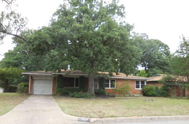 1523 W Lavender Lane, Arlington, TX 76013 (MLS #13632382) :: RE/MAX Pinnacle Group REALTORS