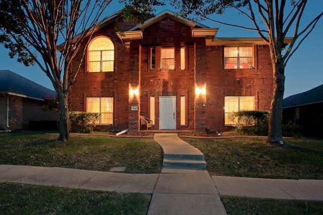 4825 Spanishmoss Drive, Mckinney, TX 75070 (MLS #13633756) :: Robbins Real Estate