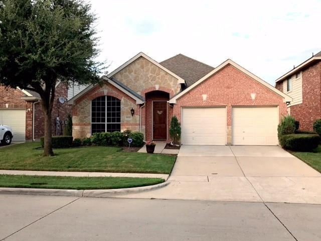 6824 Landing Drive, Grand Prairie, TX 75054 (MLS #13673345) :: RE/MAX Pinnacle Group REALTORS