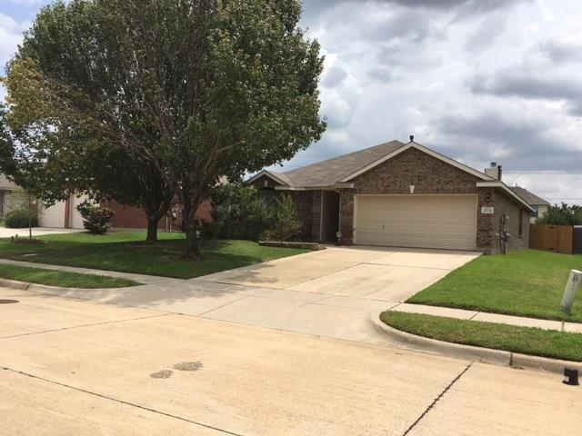2815 Oak Crest Drive, Grand Prairie, TX 75052 (MLS #13675525) :: Pinnacle Realty Team