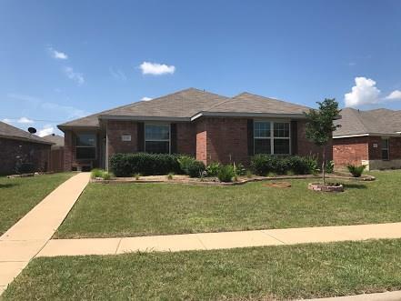 1804 Pioneer Way, Lancaster, TX 75146 (MLS #13676104) :: Pinnacle Realty Team