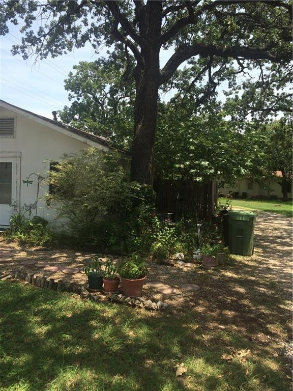 6840 Smithfield Road, North Richland Hills, TX 76182 (MLS #13677131) :: RE/MAX
