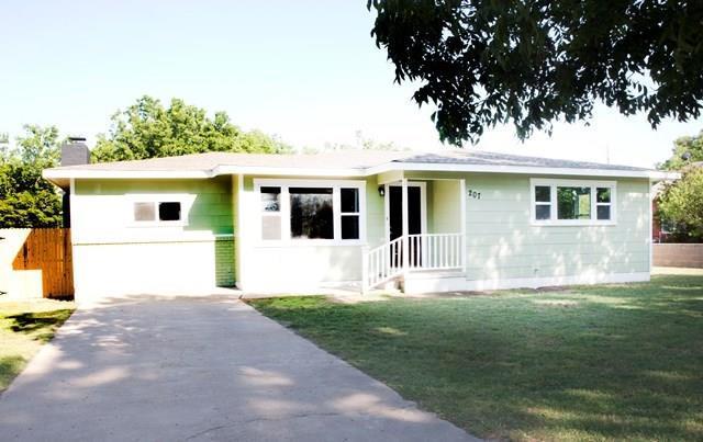 207 N Largent Avenue, Ballinger, TX 76821 (MLS #13710374) :: Team Hodnett
