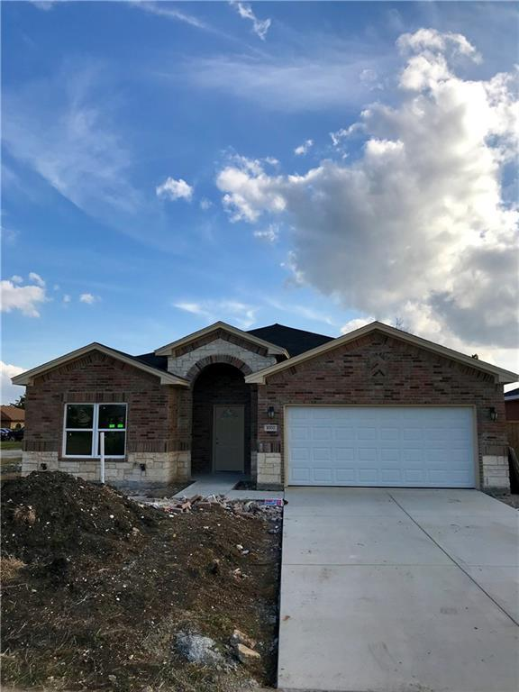 1002 Woodcrest Drive, Lancaster, TX 75134 (MLS #13711589) :: Pinnacle Realty Team
