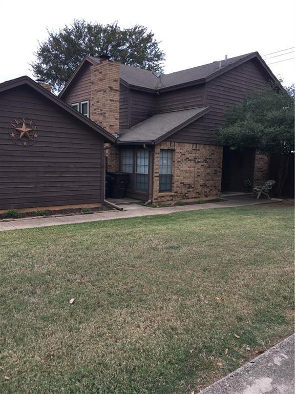 1400 Palmnold Circle W, Fort Worth, TX 76120 (MLS #13715821) :: RE/MAX