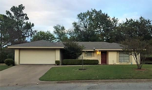 1207 Bois D Arc Street, Weatherford, TX 76086 (MLS #13715849) :: The Mitchell Group