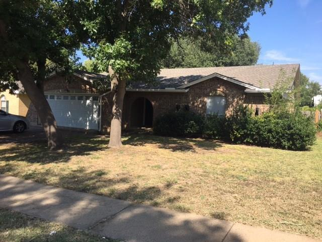 415 Thomas Chapel Drive, Arlington, TX 76014 (MLS #13717014) :: RE/MAX