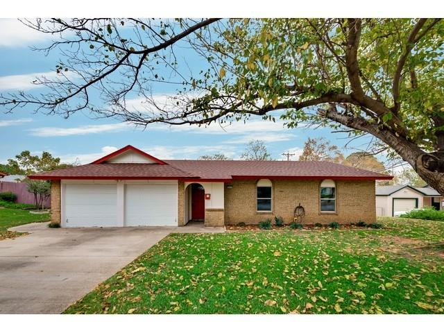 804 N Lucas Drive, Grapevine, TX 76051 (MLS #13727745) :: The Mitchell Group