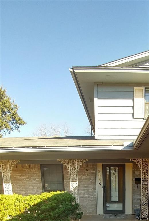 9038 Royal Crown Drive, Dallas, TX 75243 (MLS #13741598) :: Carrington Real Estate Services