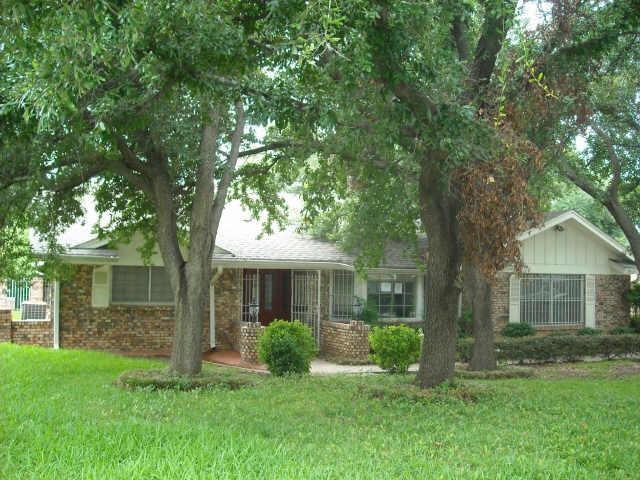 812 Green River Trail, Fort Worth, TX 76103 (MLS #13743366) :: Exalt Realty