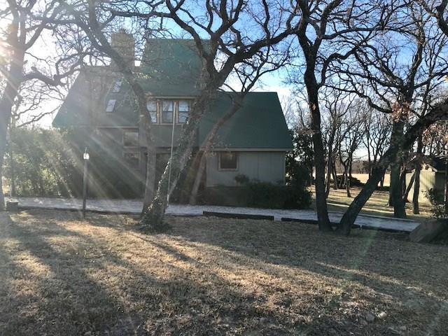136 Country Club Dr, Nocona, TX 76255 (MLS #13743988) :: Carrington Real Estate Services