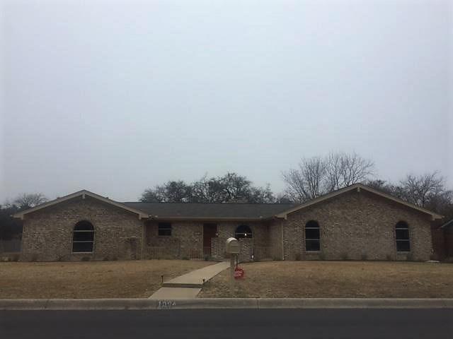 1004 Mockingbird Street, Stephenville, TX 76401 (MLS #13744223) :: Team Hodnett
