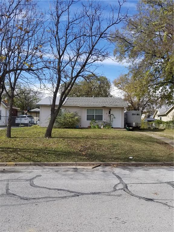 913 NE 32nd Street, Grand Prairie, TX 75050 (MLS #13744295) :: Century 21 Judge Fite Company