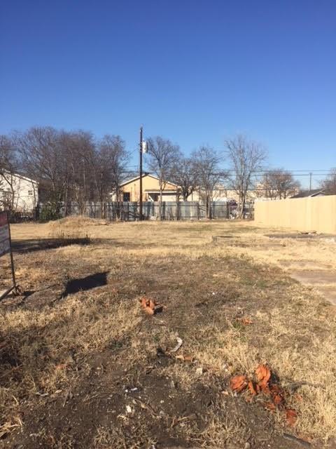 1633 E Leuda Street, Fort Worth, TX 76104 (MLS #13759479) :: Team Hodnett