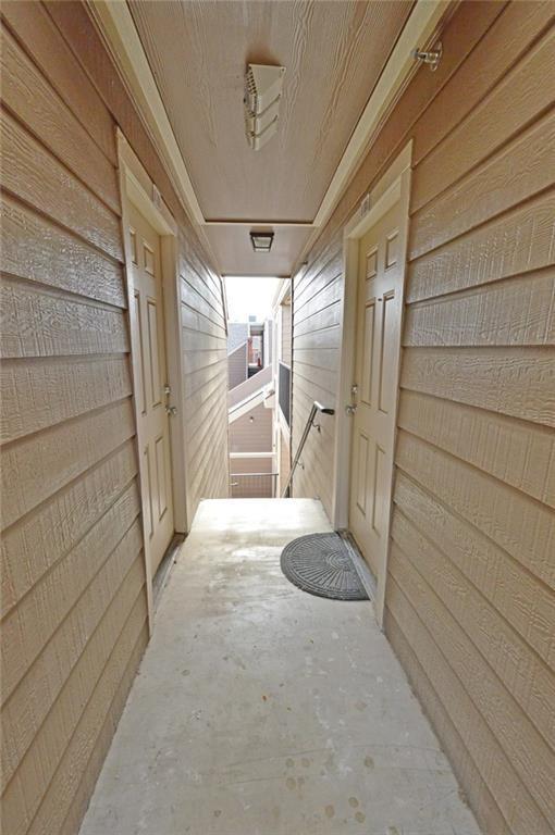 9829 Walnut Street #307, Dallas, TX 75243 (MLS #13761146) :: Frankie Arthur Real Estate