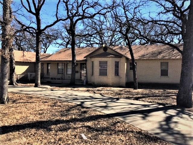 5221 Ohio Garden Road, River Oaks, TX 76114 (MLS #13765062) :: Team Hodnett