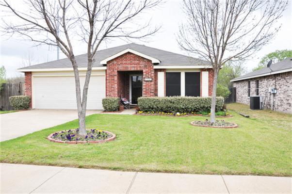 8908 Seven Oaks Lane, Denton, TX 76210 (MLS #13765997) :: Team Hodnett