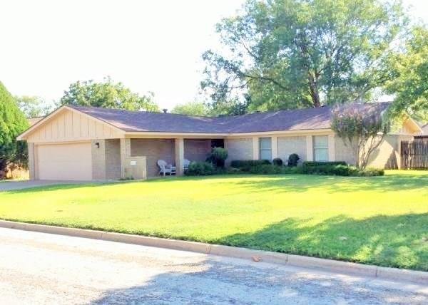 4717 Carrie Ann Lane, Abilene, TX 79606 (MLS #13774510) :: Team Hodnett