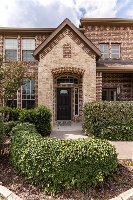 13809 Castlegate Drive, Frisco, TX 75035 (MLS #13775033) :: Frankie Arthur Real Estate