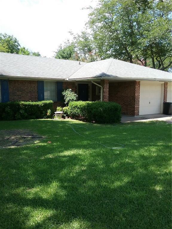 305 Ida Bess Avenue, Desoto, TX 75115 (MLS #13776236) :: Team Hodnett