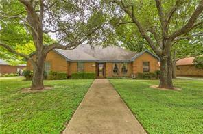 9113 Timber Oaks Drive, Fort Worth, TX 76179 (MLS #13778062) :: Team Hodnett