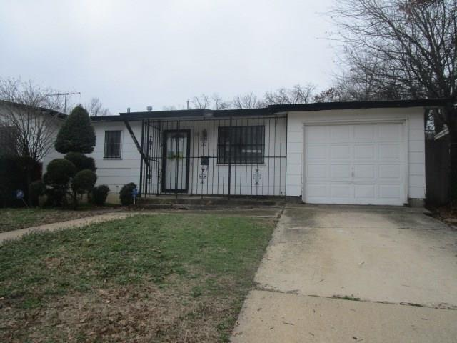 6328 Ava Court Drive, Fort Worth, TX 76112 (MLS #13787927) :: Team Hodnett