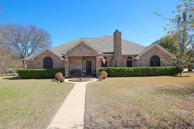 214 Timber Trail, Weatherford, TX 76087 (MLS #13788682) :: Team Hodnett