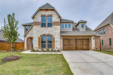 7251 Brisa Road, Grand Prairie, TX 75054 (MLS #13795754) :: RE/MAX Pinnacle Group REALTORS