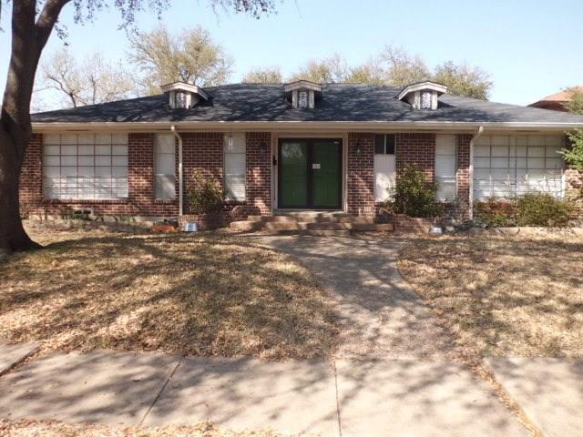 1705 Charleston Drive, Garland, TX 75041 (MLS #13796924) :: Team Hodnett